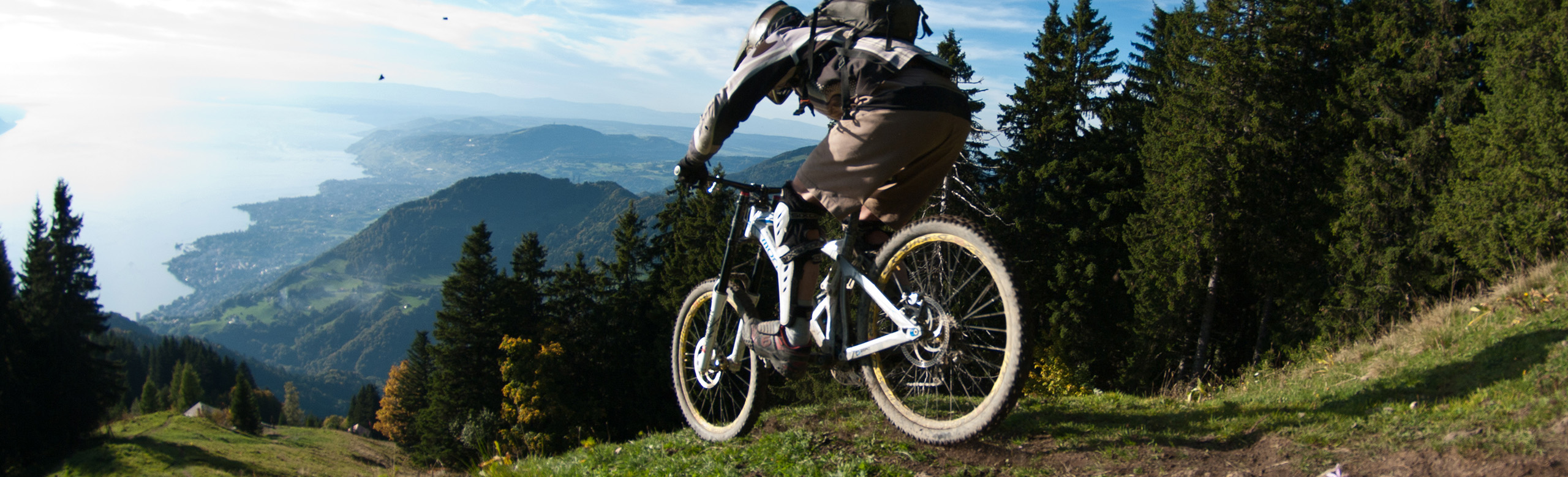 MTB & E-MTB guided tours in Swiss Alps